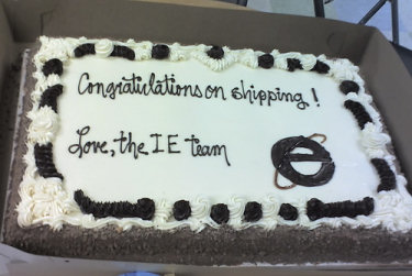 Cake sent to Firefox team by IE team