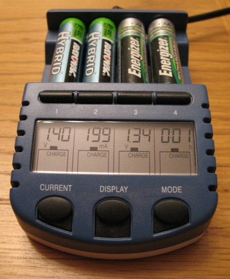 Lacrosse Techology BC-900 AlphaPower battery charger